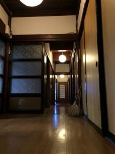 深見荘 廊下